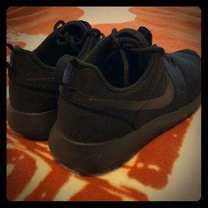 Nike Slip Resistant Shoes